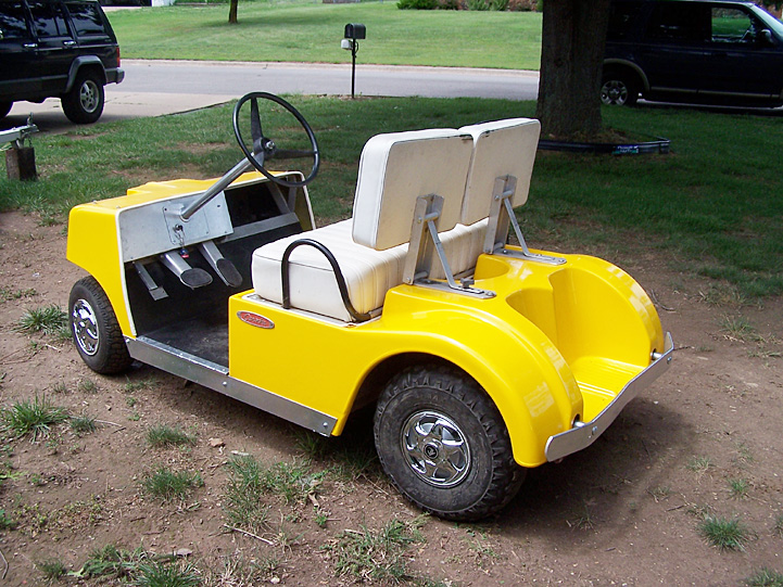 Antique Cushman Golf Cart : Lot 119F - Bid in Online Auctions